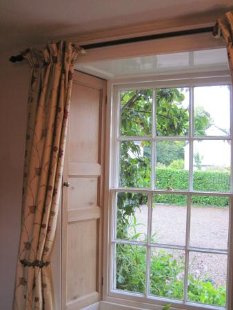 White Hall Bed & Breakfast: View onto car park from breakfast room (22/Sep/15).