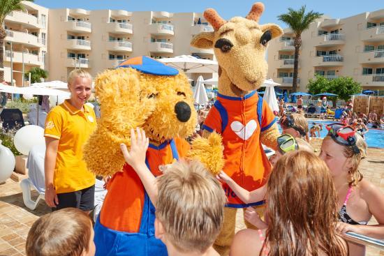 Sunwing Cala Bona Beach: Lollo & Bernie