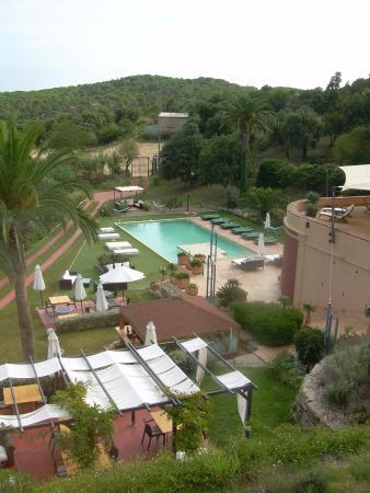 Sant Pere del Bosc Hotel & Spa: Vue de l'accueil sur piscine