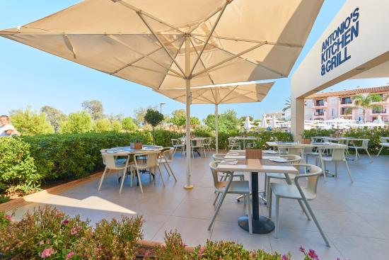 Sunwing Cala Bona Beach: Antonio's Kitchen