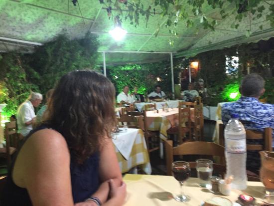 Moukas Restaurant: photo3.jpg