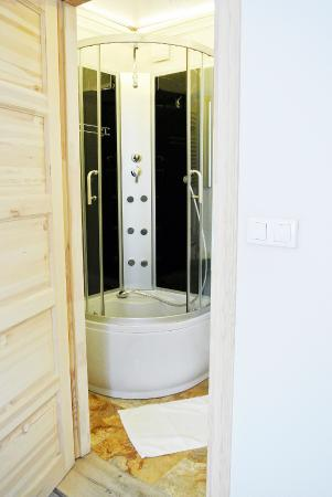 Kamienica Bankowa Residence: Superior Room's Shower