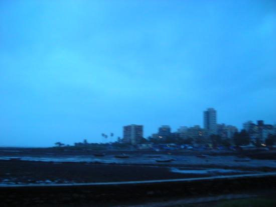 Bandra Fort: By the sea