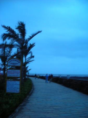 Bandra Fort: Bandstand promenade