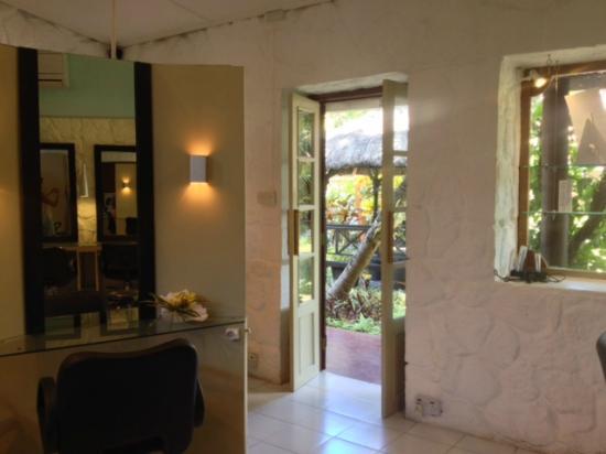 Le salon de coiffure - Picture of Le Square Beaute, Grand Baie ...