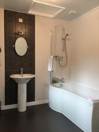 Pine Lodge Guest House: Bedroom 5 Bathroom
