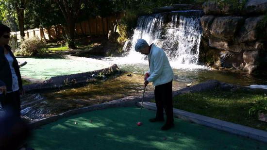 Johnson Park Miniature Golf: 94 year old youngsters can still putt around!