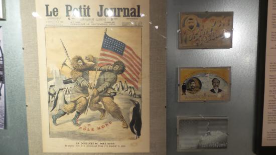 North Pole Expedition Museum: Rivista dell'epoca con la contesa tra Peary e Scott sulla conquista del Polo Nord