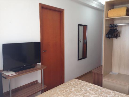 Faro Hotel: Quarto