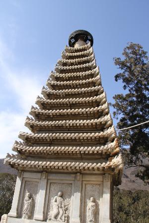 Biyun Temple: 美しい仏塔