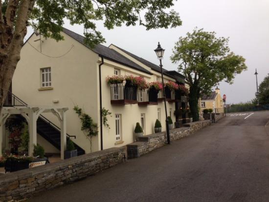 Tarmonbarry, Irland: Hotel Facade