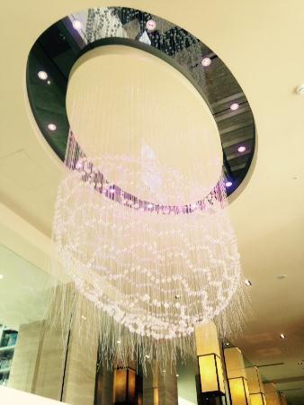 溫泉酒店入口處的水晶燈共1314顆,所以稱為一生一世水晶燈