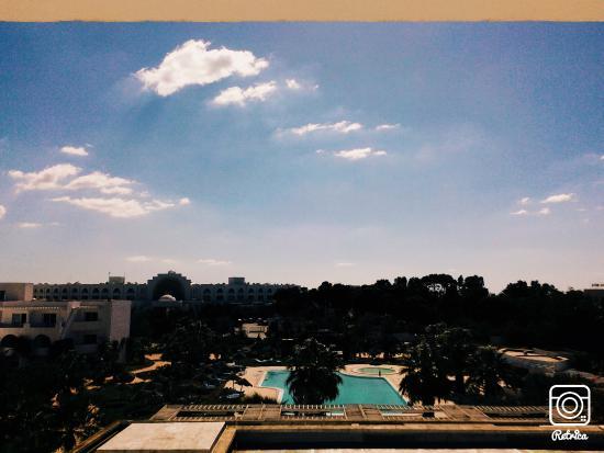 Hotel Machmoum: vue de la piscine de la chambre