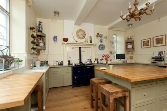 Terrington, UK: The family kitchen