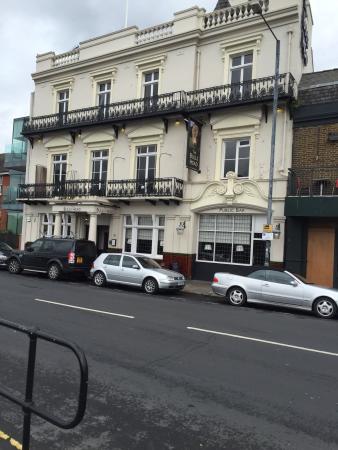 Alton Barnes, UK: Good for Thames walk break