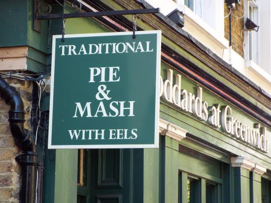 Goddards at Greenwich: Sign is worth a Thousand words