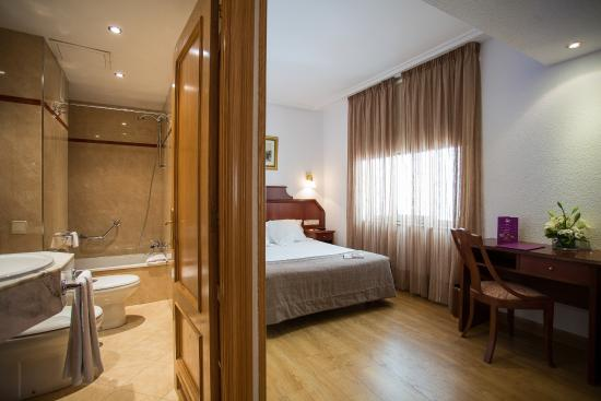 Ayre Hotel Ramiro I: Habitación