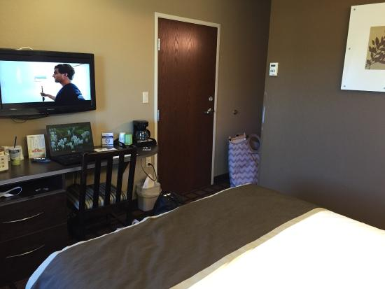 Microtel Inn & Suites by Wyndham Michigan City: photo2.jpg