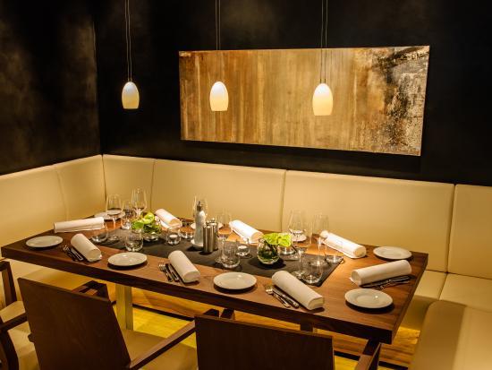 Goldberg Restaurant & Winelounge: Take a seat and enjoy