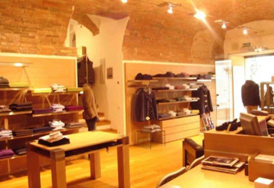 Todi, إيطاليا: abbigliamento uomo Umbria