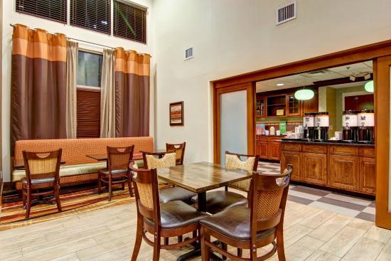 Hampton Inn And Suites Leesburg: Dining Area