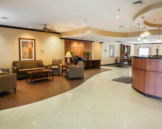 Comfort Suites Indianapolis: Lobby area