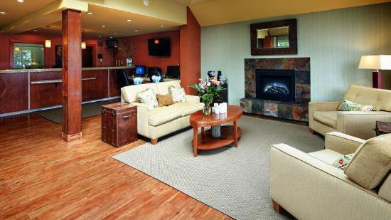 BEST WESTERN PLUS Emerald Isle Motor Inn: Lobby