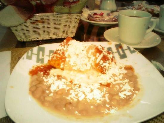 Casa de Los Dulces Suenos: A desayunar...