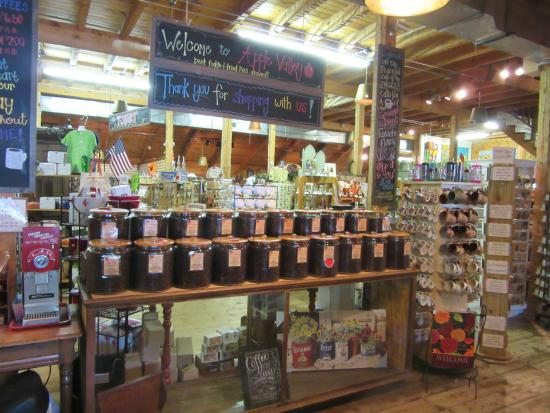 Townsend, TN: Unique gifts inside the Apple Valley Country Store