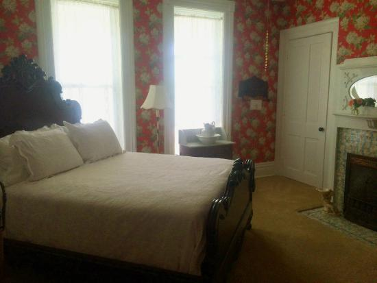 Captain Montague's Bed and Breakfast: Sarah's Room - redone in 2015
