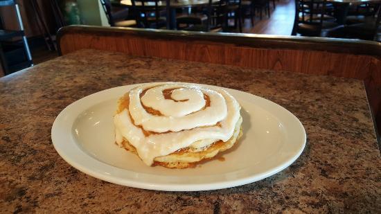 Bradley, IL: Cinnamon Roll Pancakes