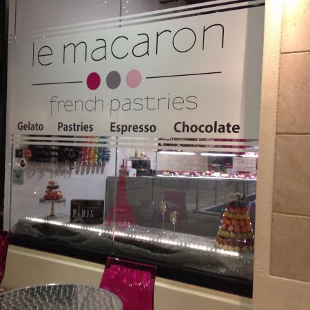 Le Macaron French Pastries: Entrada