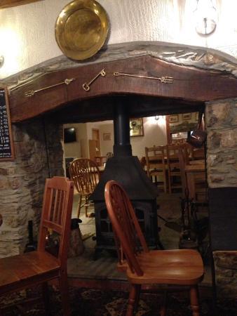 The Crown Inn: Restaurant/bar area