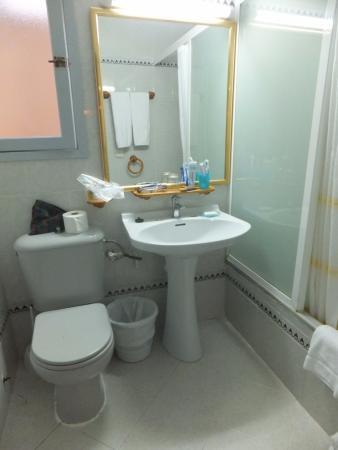 Globales Montemar Apartments : One Bedroom Apartment - Bathroom