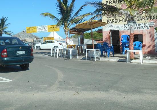 Caca e Pesca Beach: Bares no acesso