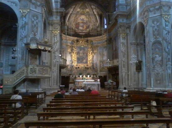 Sale Marasino, إيطاليا: ALTARE MAGGIORE