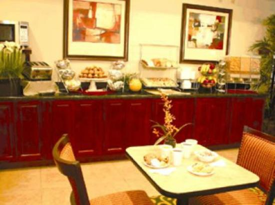 Best Western Auburndale Inn & Suites: Cafe da manha