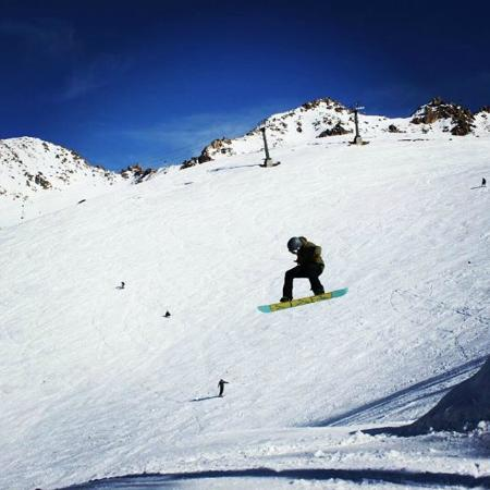 Green House Hostel Bariloche: Snowboarding