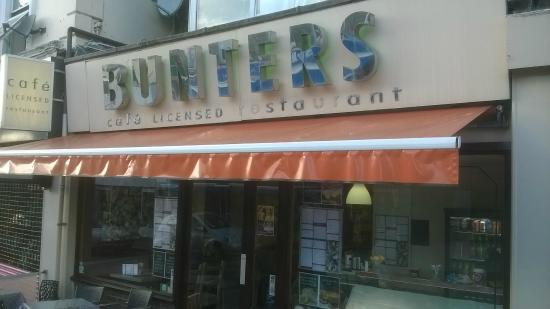 Bunters : The Outlet