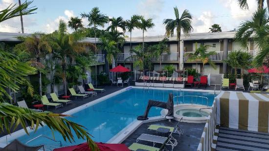 Best Western Hibiscus Motel Quiet Pool Area