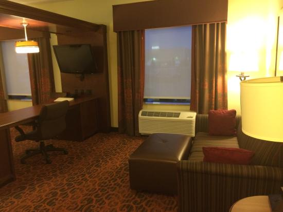 Hampton Inn & Suites Fargo: 102