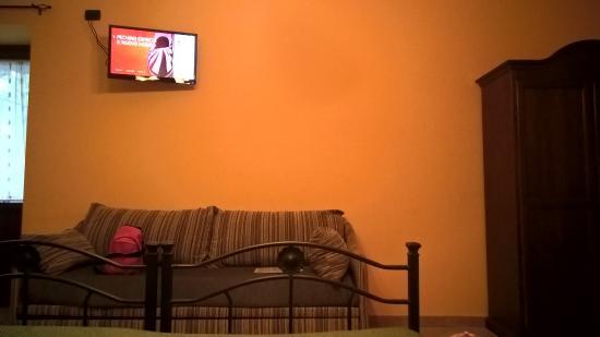 Hotel Pace Pompei: divano
