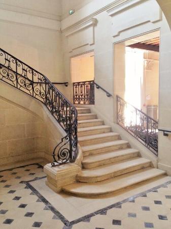 Vernantes, France : Grand staircase