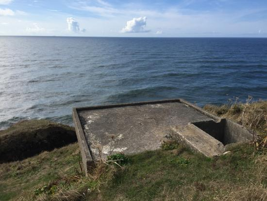 Ilwaco, WA: Old Cement Bunker used in WW1 and WW2