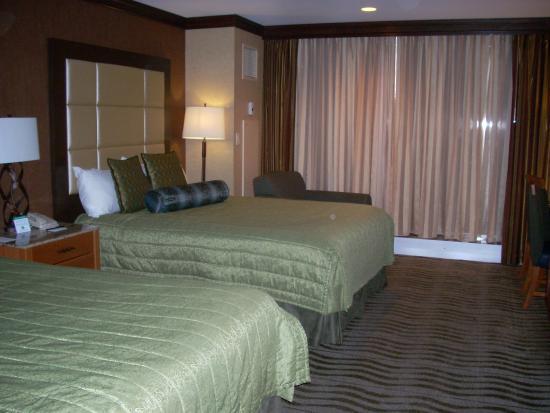 Seneca Niagara Resort & Casino: Cuarto del hotel