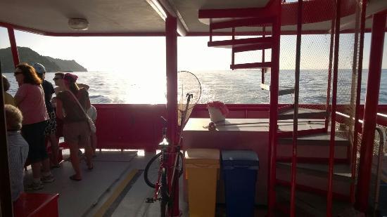 AQUAVISION: Moto nave nautilus