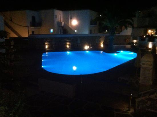 Poseidon Hotel - Suites: Piscina Noite