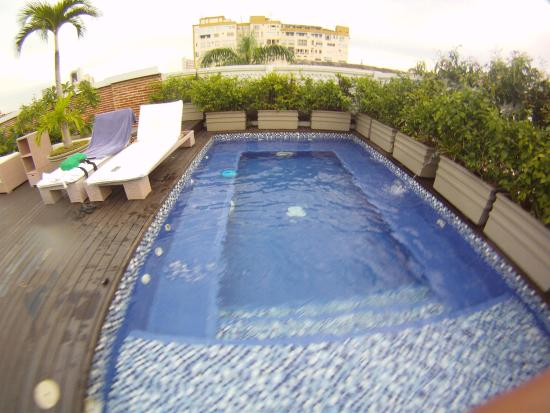Casablanca B&B: Piscina