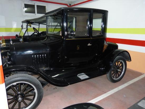 Hotel Santa Isabel: Vehiculo historico