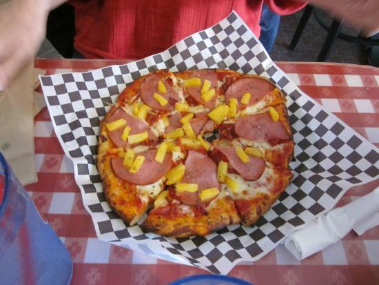 Gordy's Pizza & Pasta: Hawaiian Pizza